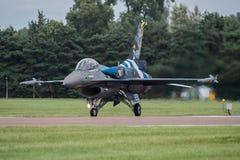 费尔福德,英国- 7月10日:F-16C航空器参加皇家国际空气纹身花刺airshow事件2016年7月10日 免版税库存图片