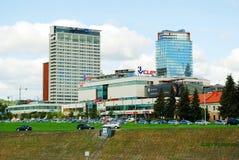 维尔纽斯与摩天大楼的2014年9月24日的市中心和杯子 免版税图库摄影