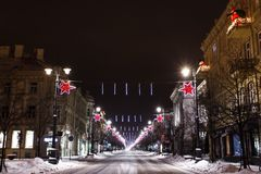 维尔纽斯在晚上,圣诞节 免版税库存照片