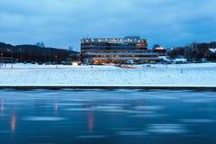 维尔纽斯市冬时的论坛宫殿 免版税库存照片