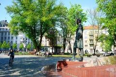 维尔纽斯市在早晨时间的Gediminas街道 免版税图库摄影