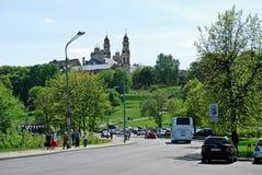 维尔纽斯市在春天的街道生活 免版税图库摄影