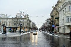 维尔纽斯市白色冬天早晨时间全景 库存图片