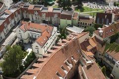 维尔纽斯,立陶宛红色屋顶的看法  免版税库存图片