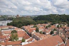 维尔纽斯,立陶宛红色屋顶的看法  免版税库存照片