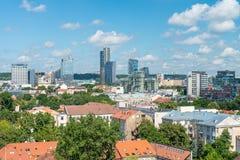 维尔纽斯,立陶宛- 2017年7月10日:全景空中城市视图 免版税库存图片
