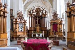 维尔纽斯,立陶宛- 2017年5月08日:圣法兰西斯和圣伯纳德教会内部在维尔纽斯 免版税图库摄影