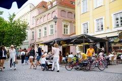 维尔纽斯,立陶宛- 2016年8月11日:老镇的街道维尔纽斯,其中一个北部的最大生存中世纪老镇 图库摄影