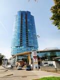 维尔纽斯Savanoriu街道的市摩天大楼 库存图片