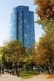 维尔纽斯Savanoriu街道的市摩天大楼 免版税图库摄影
