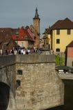 维尔茨堡,德国- 2015年5月06日:在老主要桥梁的看法 库存图片