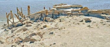 索尔顿湖:被毁坏的码头 图库摄影