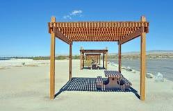 索尔顿湖:野餐区 免版税库存图片