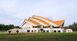 贺尔Pra密友Gand Jah na pi在Khonkaen Universi唱了观众席 免版税库存照片