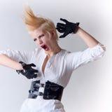 尖叫美丽的白肤金发的女孩的废物 免版税库存照片
