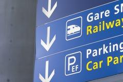尖在机场 免版税库存照片