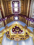 尖屋顶泰国寺庙 免版税图库摄影