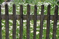 尖桩篱栅 库存照片