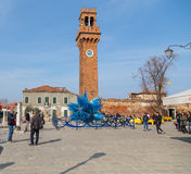 尖沙咀钟楼和玻璃Sculture在园地Santo斯特凡诺在Murano 免版税库存图片