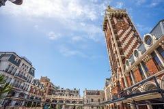 尖沙咀钟楼广场正方形位于巴统,阿扎尔地区 库存图片