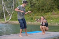 尝试wakeboarding的活动 图库摄影