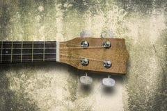 尤克里里琴在白色背景的夏威夷吉他 免版税库存照片