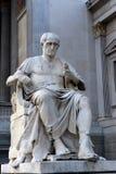 尤利乌斯・凯撒雕塑在奥地利议会前面的 免版税库存图片