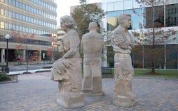 尤多拉维尔蒂,理查怀特和威廉・福克纳雕象  免版税库存照片