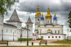 就座围场Tobolsk克里姆林宫和索菲娅假定大教堂平底锅 库存图片