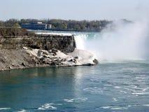尼亚加拉加拿大人秋天和河2003年 库存图片