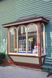 尼亚加拉在这湖木葡萄酒商店窗口街市从安大略省的 免版税库存图片