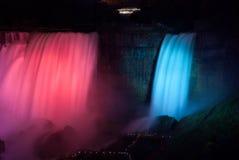 尼亚加拉大瀑布在Night之前 库存照片