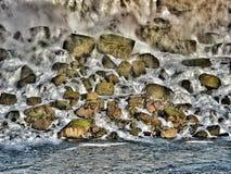 从尼亚加拉大瀑布的岩石 免版税库存照片