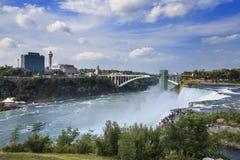 尼亚加拉大瀑布看法在晴朗的夏日, NY,美国 免版税库存图片