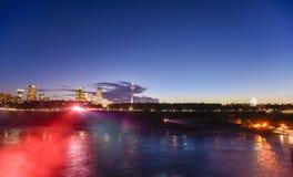 尼亚加拉市夜场面  免版税库存图片