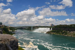 尼亚加拉瀑布、美国秋天和湖 免版税库存图片