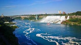 尼亚加拉瀑布位于在安大略、美国的加拿大和纽约州的连接点 库存照片