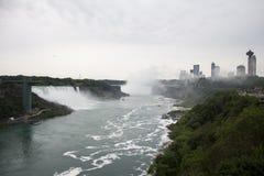尼亚加拉瀑布和城市 库存照片