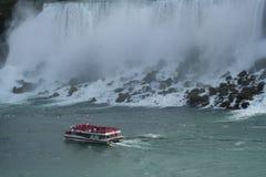 尼亚加拉瀑布和它的力量 免版税库存照片