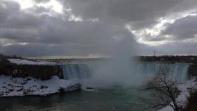 尼亚加拉瀑布在春天 股票视频