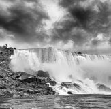 尼亚加拉瀑布壮丽  自然的美妙的颜色 库存照片