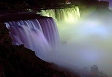 尼亚加拉瀑布夜间外形视图 库存图片