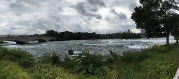 尼亚加拉瀑布河 库存图片