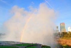 从尼亚加拉瀑布的彩虹 库存照片