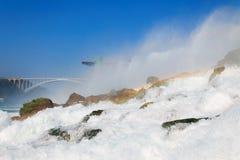 尼亚加拉瀑布的美国边有彩虹的 库存照片
