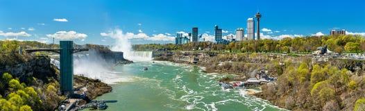 尼亚加拉瀑布看法从彩虹桥,美国-加拿大边界的 库存照片