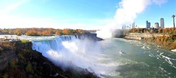 尼亚加拉瀑布额外宽全景地平线 免版税库存照片