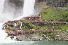 尼亚加拉瀑布飞溅甲板 库存照片