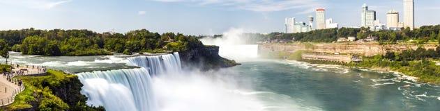 尼亚加拉瀑布,全景,长的曝光,丝绸水的纽约 免版税图库摄影