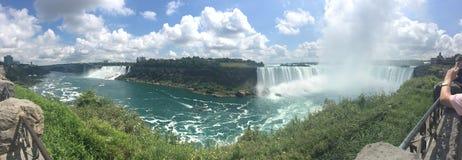 尼亚加拉瀑布,加拿大-全景 免版税库存图片